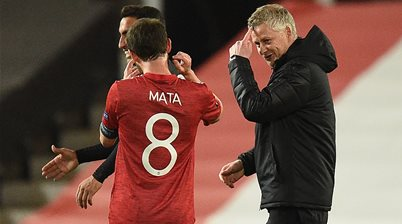 Arsenal and Manchester United ease to Europa Cup semis