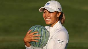 Kang hangs on in LPGA return