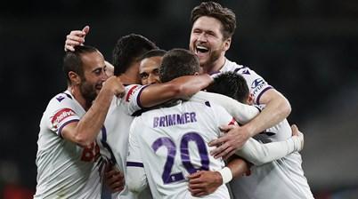 Glory rebound to thwart Wanderers