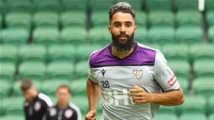 'It might be a few weeks...' - Glory sweat on Osama Malik's shoulder