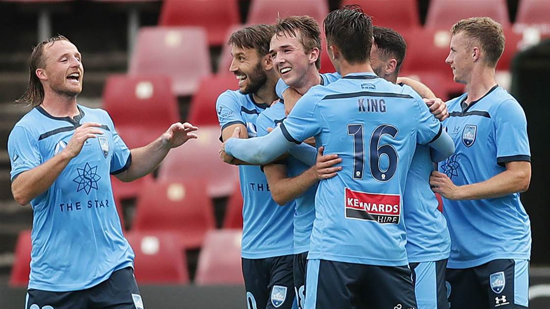 'Nothing seems to faze him...' - Sydney stunners seal win