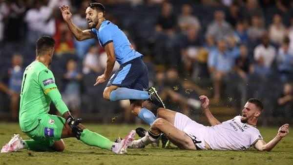 'He's just quality...' - Ninkovic burns Macarthur in Sydney derby