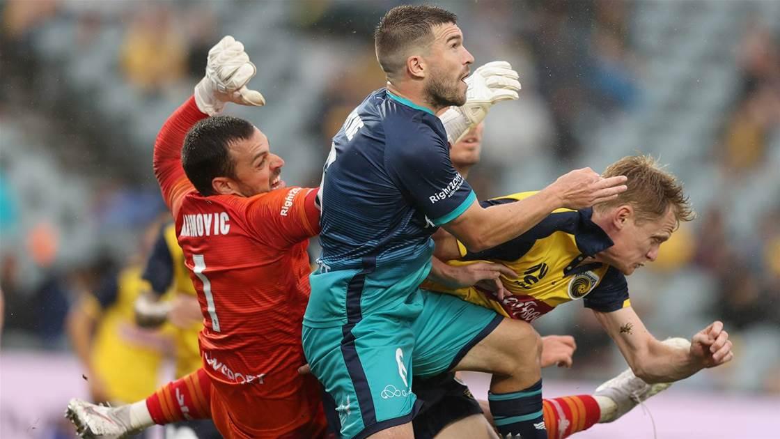 Phoenix extend dominance over Mariners