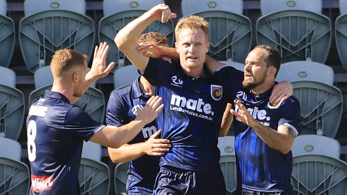 A-League leaders Mariners down Phoenix '...but still scope to improve'