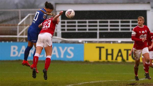 Sam Kerr soars for 12th goal