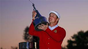 DeChambeau makes big putts to win Bay Hill