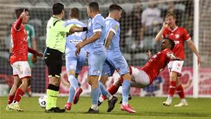 'Really important ' - City fend off Phoenix in chaotic clash