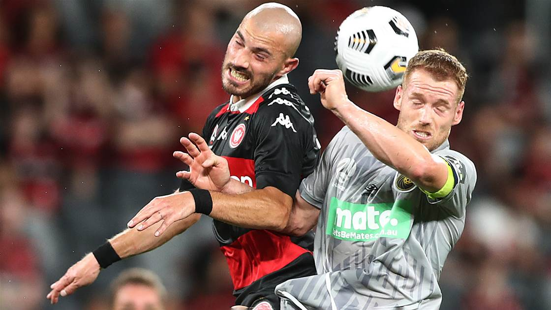 Wanderers, Mariners share hard-fought spoils