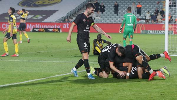 'What is handball any more?' - Roar continue dominance over Mariners