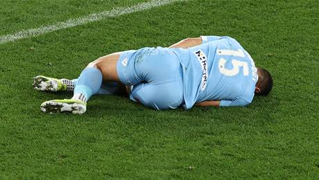 Nabbout hurt as City extend lead