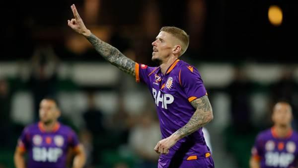 Four-goal Keogh leads Glory past Wanderers