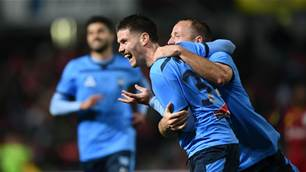 Sydney FC whip Adelaide in A-League