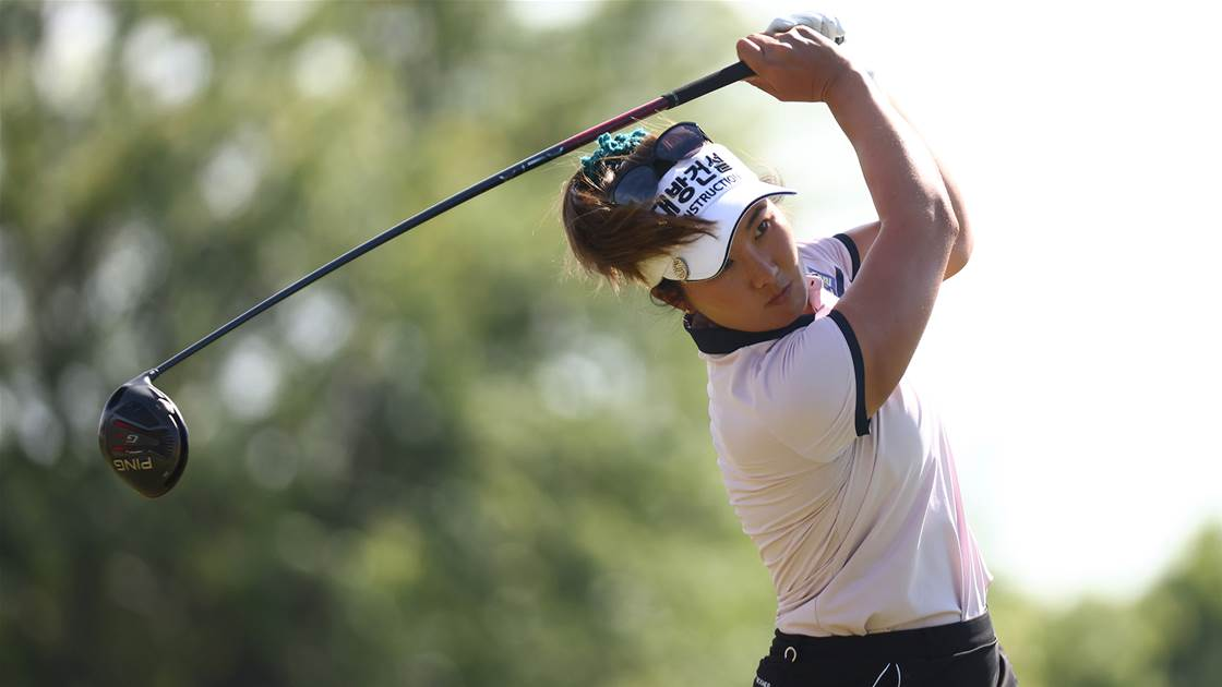 Oh charges toward LPGA leaders