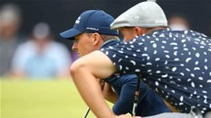 Spieth gives DeChambeau golf lesson