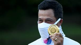 Schauffele staves off Sabbatini's 61 to win gold; C.T Pan claims bronze