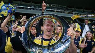 World Cup Socceroo, A-League champion returns to Mariners