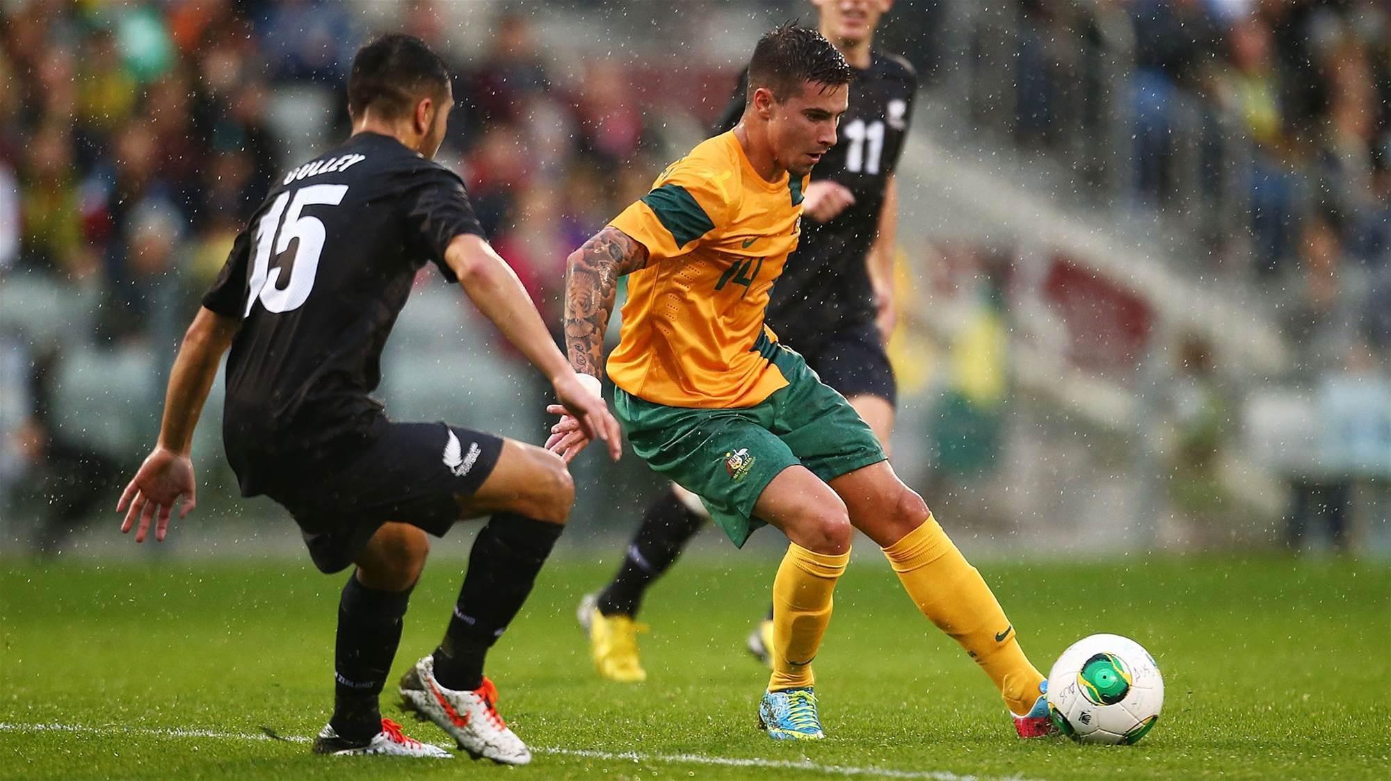 Maclaren debuts in Hibs win