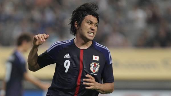 Japanese striker Kudo signs for Roar