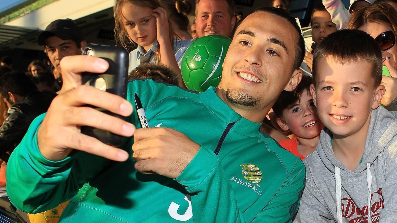 Perth Glory snap up ex-Socceroo