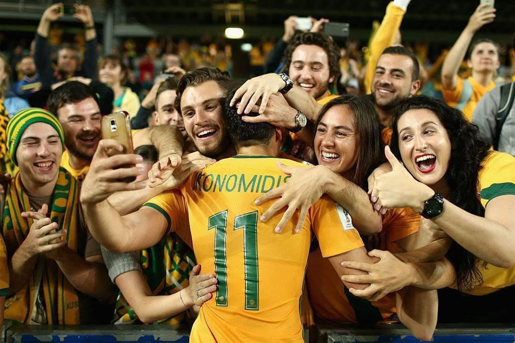 Lazio to loan Ikonomidis