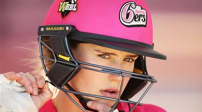 Ellyse Perry re-signs with Sydney Sixers