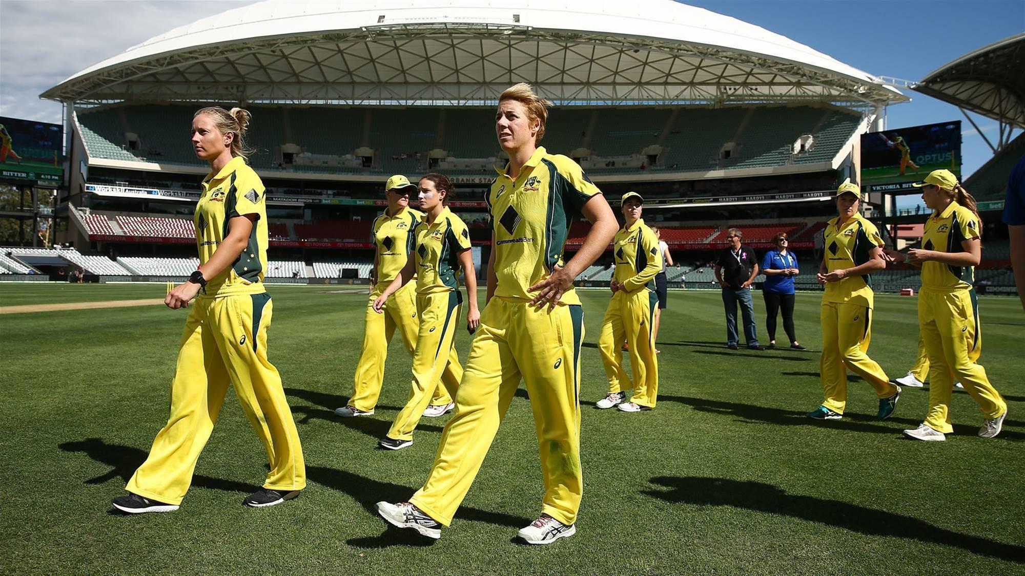 Australia suffer loss in final group match