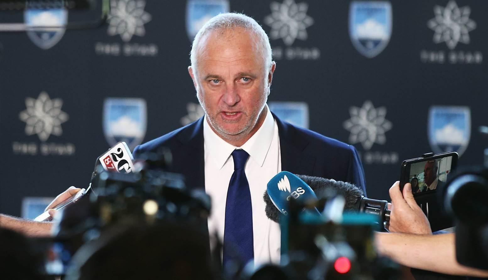 Arnold out of running for Roos job