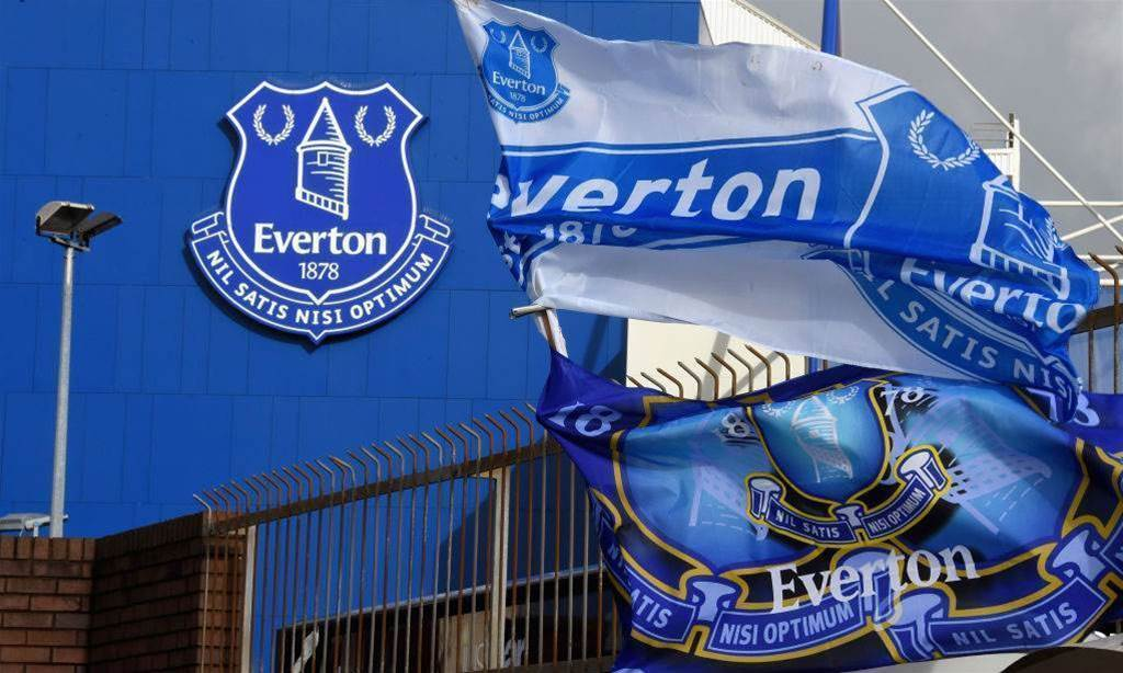 Aussie signs pro deal with Everton