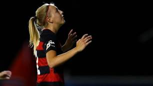 Western Sydney Wanderers re-sign defender
