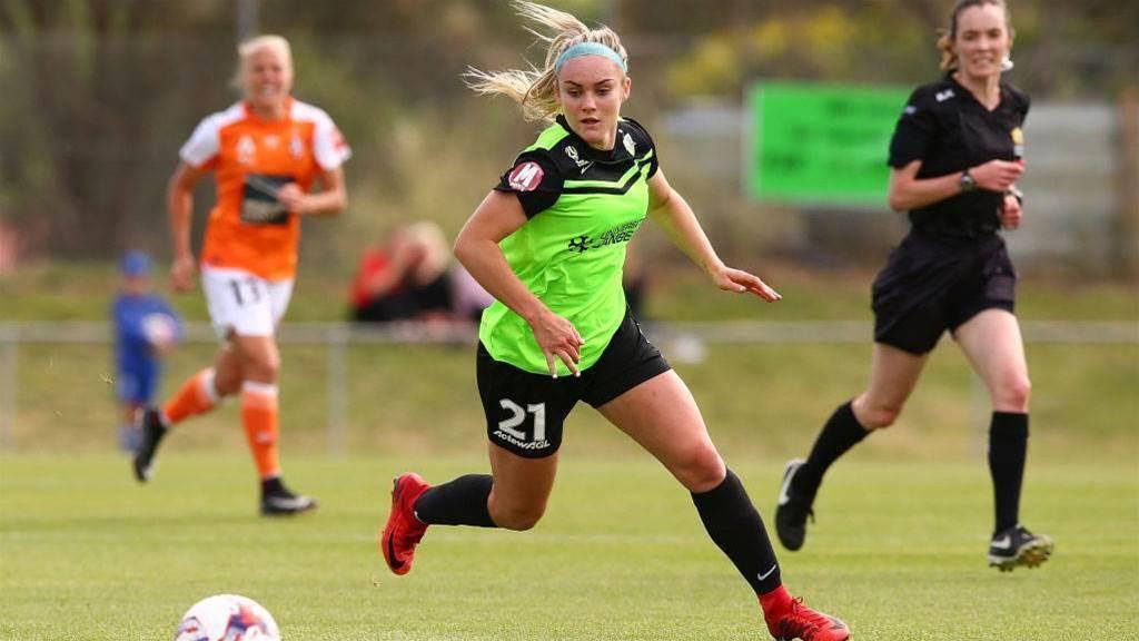 Teen star Carpenter back for Canberra