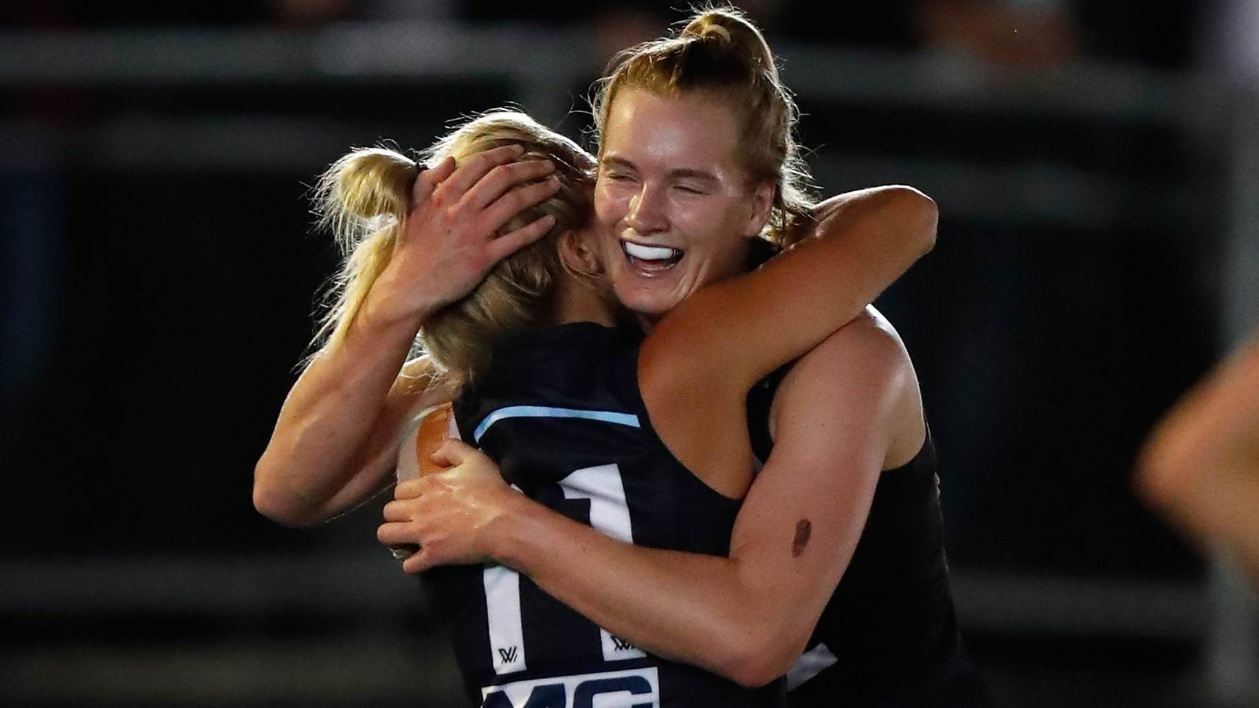 Hosking twins, Moody and Loynes recommit to Blues