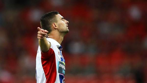 Newcastle Jets reward unsung hero with upgraded contract