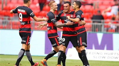 Injury cloud hovers over Wanderers star