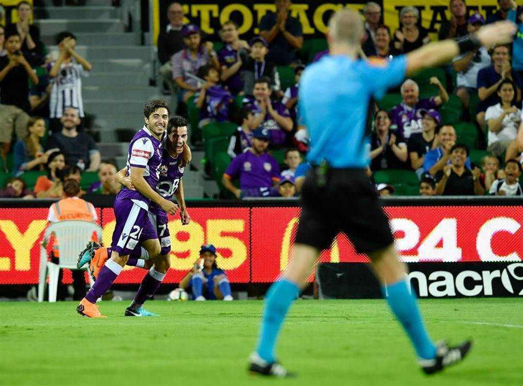 Glory pen new deals with attacking trio