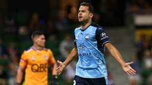 Glory on a plate as Sydney FC go back-to-back