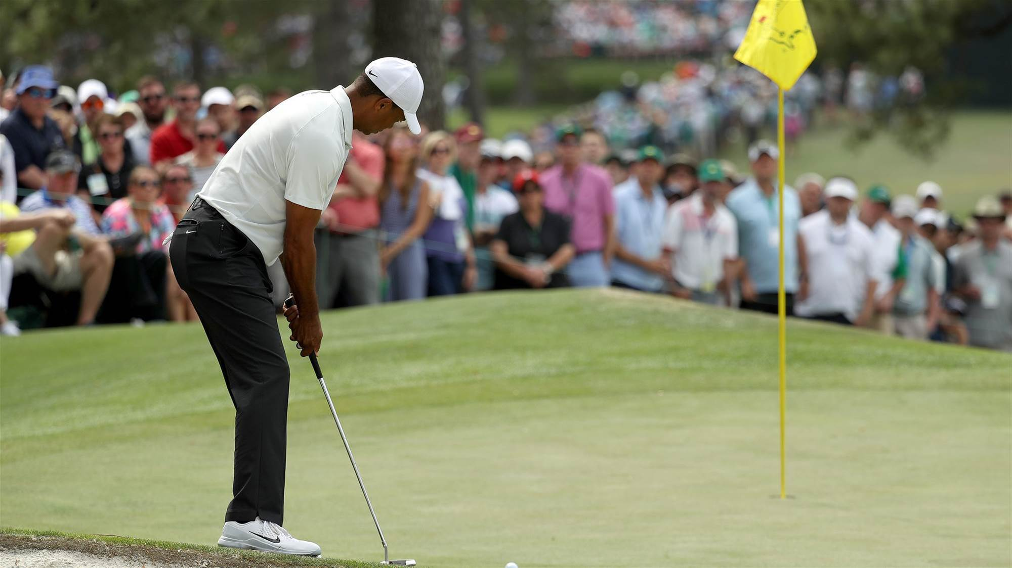 Flagstick rule can help at Masters: Woods