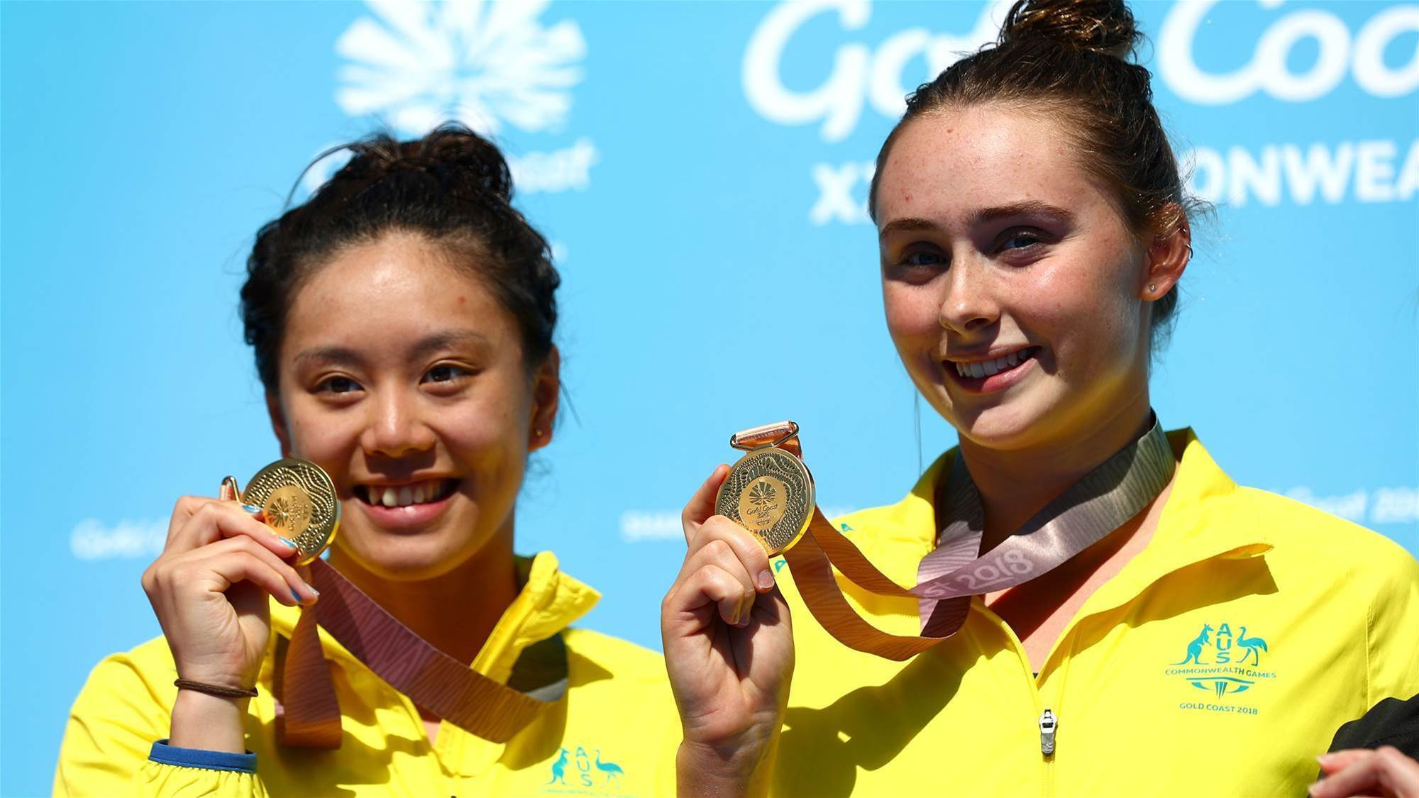 Golden dive for Qin and Sheehan
