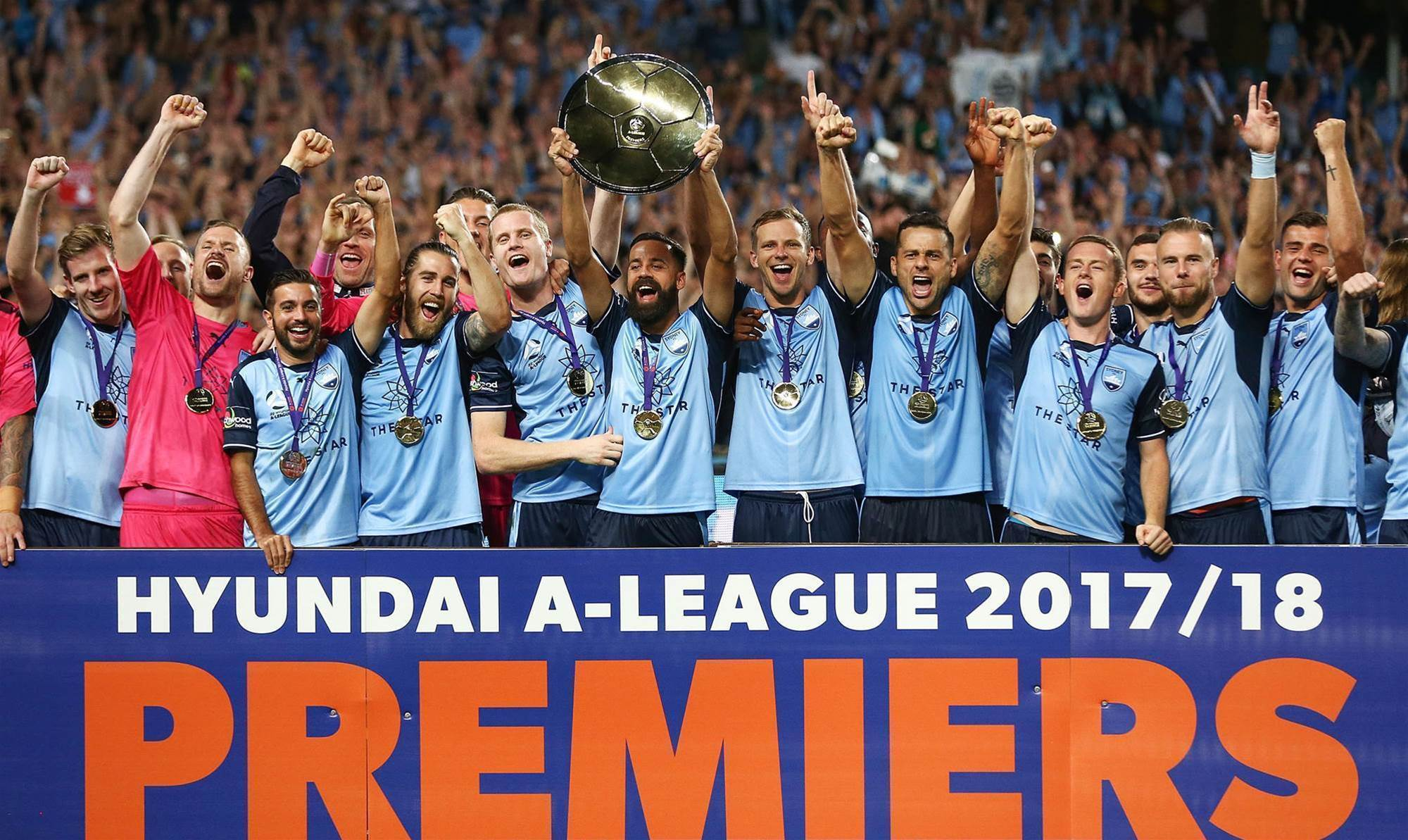 Arnold orders 'pizza and water' for Sydney FC record-breakers