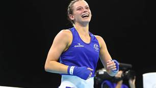 Nicolson dedicates gold to her brothers