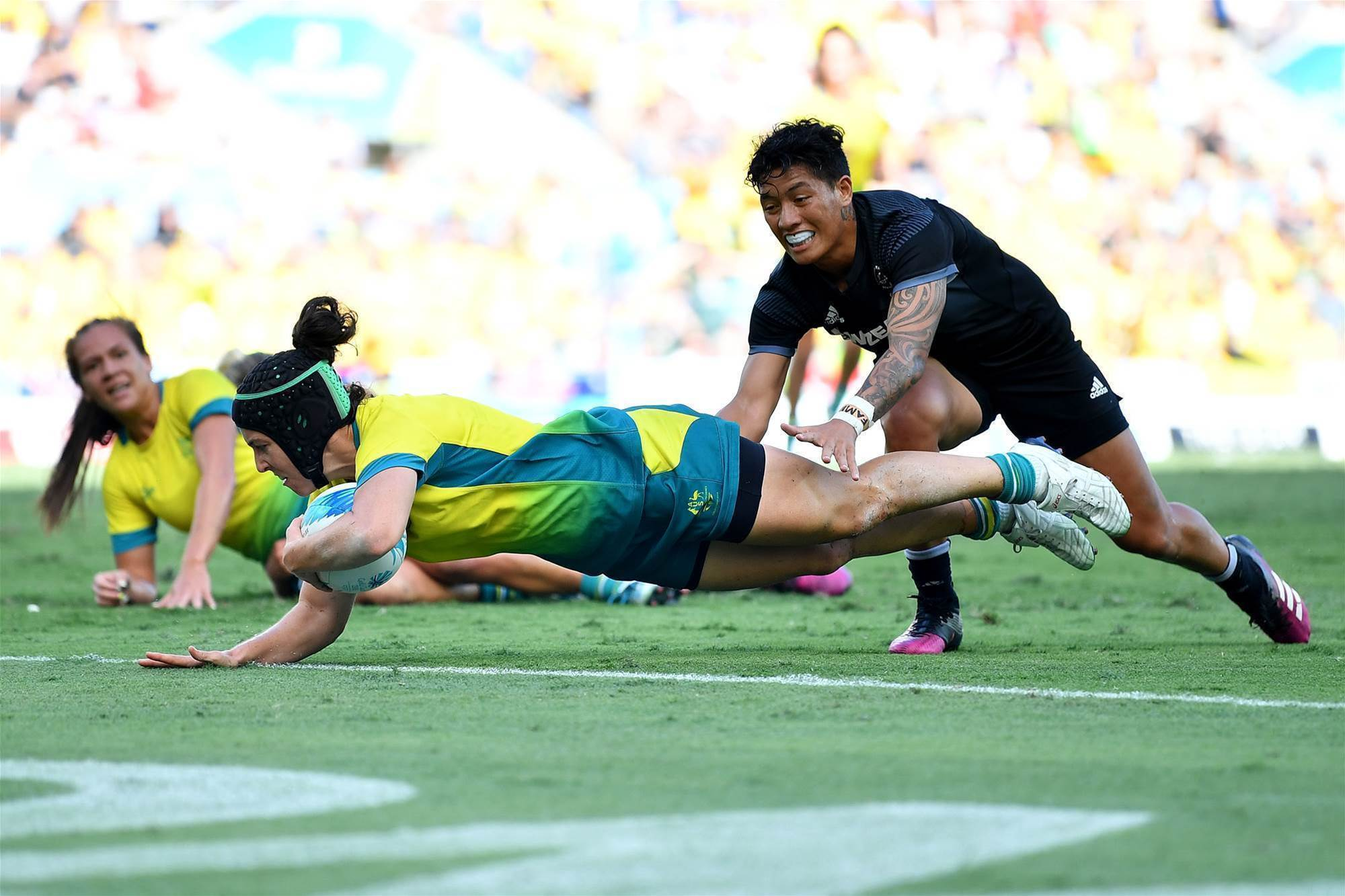 Sevens boosted by Cherry and Pelite re-signing