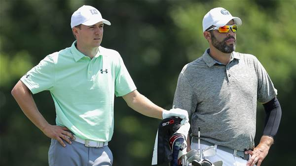 Spieth's caddie leaves Mexico after dad dies