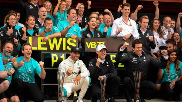 Hamilton reigns in Spain