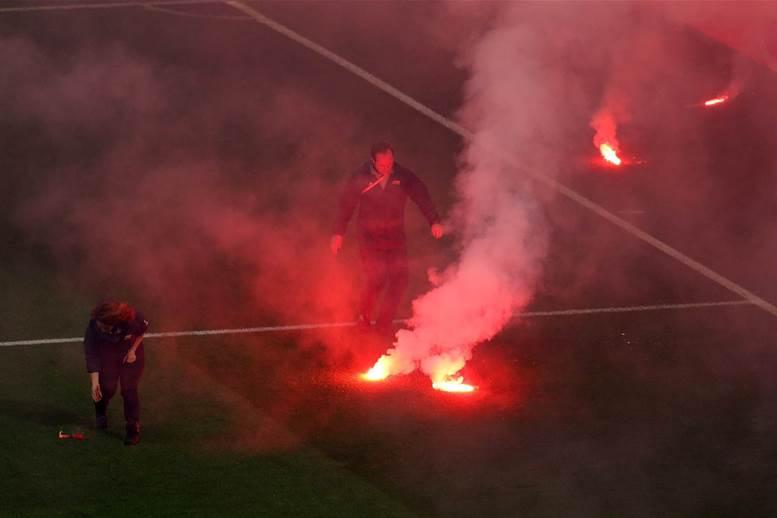 Marseille fan flips out over Final loss