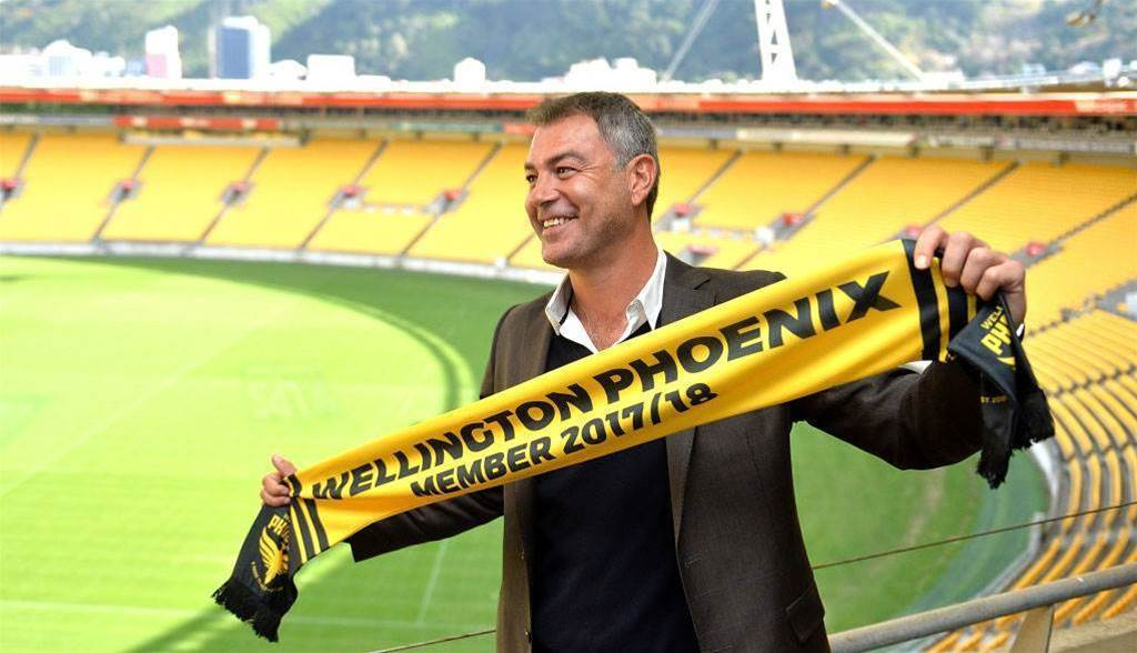 Wellington Phoenix coach Rudan makes first signing