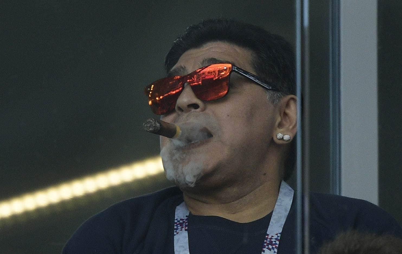 Argentina legend Maradona unaware of smoking ban