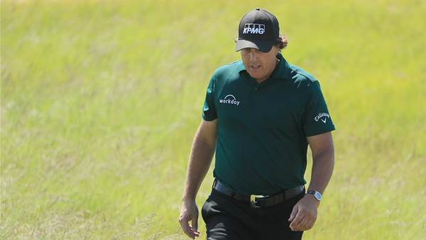Mickelson reaches boiling point at Shinnecock