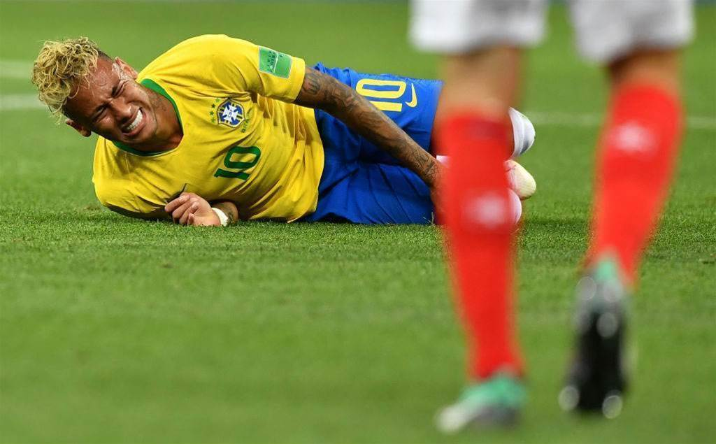 Neymar says 'limp' nothing to worry about
