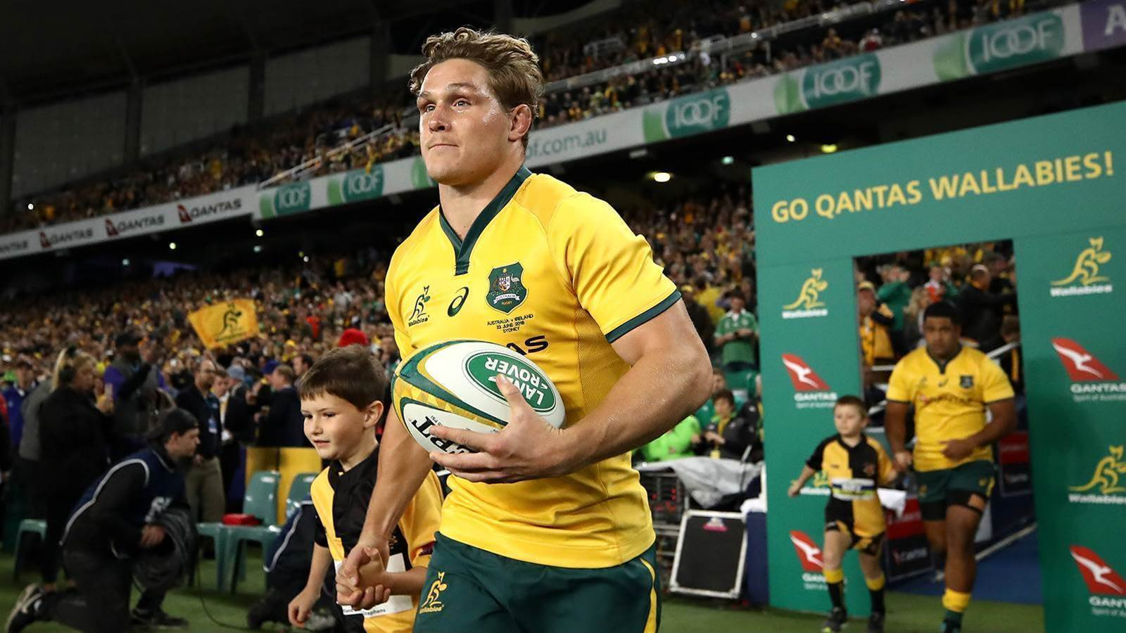 Hooper locked in for the Wallabies