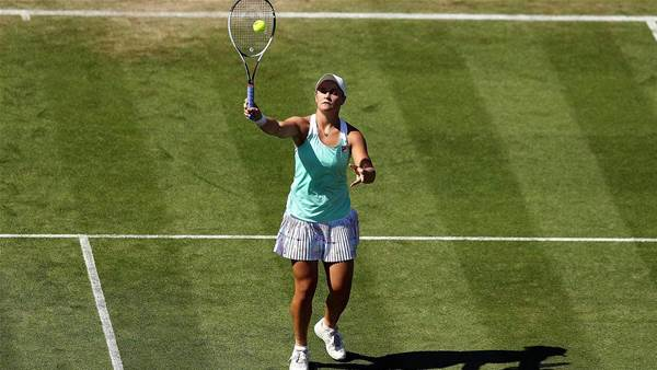 Wozniacki straight sets victory over Barty
