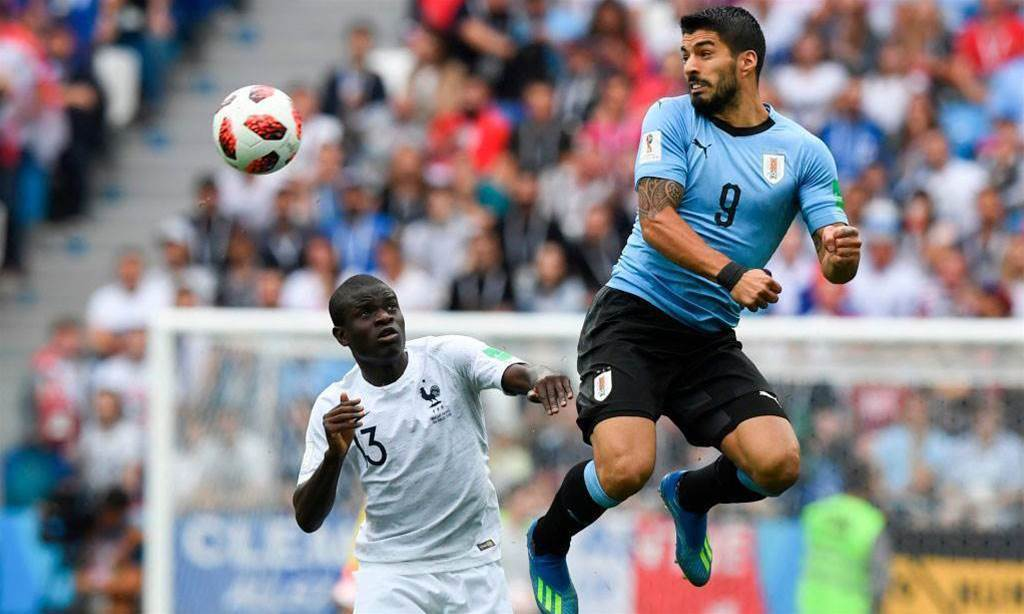 Suarez world's best striker - Ignashevich